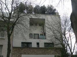 zdroj Wikimedia commons/ Remi Mathis Popisek: Dům Tristana Tzary