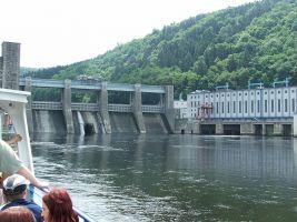zdroj Wikimedia commons/ Hynek Moravec Popisek: Štěchovická přehrada