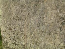 zdroj Wikimedia commons/ Resk Popisek: Nápisy v megalitovém komplexu Stonehenge