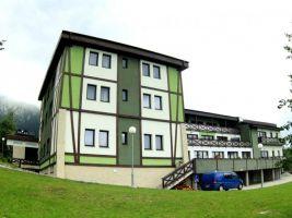 Bencont Development Popisek: Aparmánový dům Família v Novém Smokovci