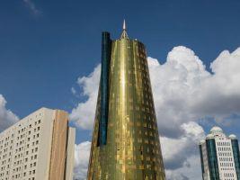 zdroj iStock Popisek: Zlatý mrakodrap připomíná sklenici na pivo