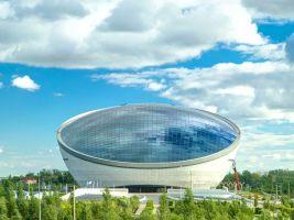 zdroj Shutterstock Popisek: Nazarbajevovo centrum je navrženo tak, aby se od něj odrážela obloha