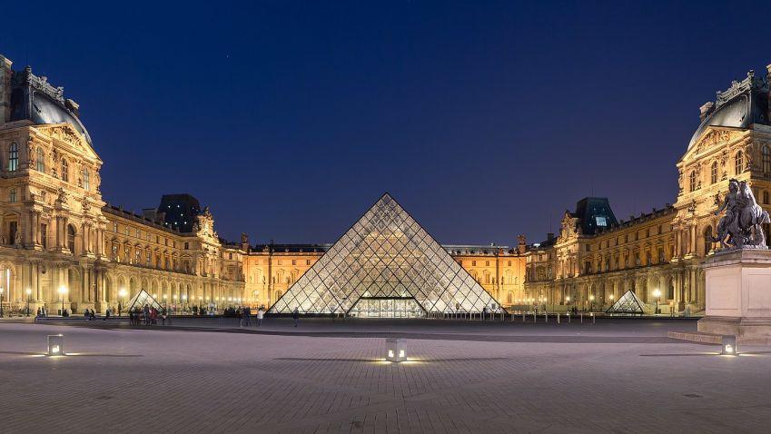 Autor skleněné pyramidy v Louvru pocházel z Číny