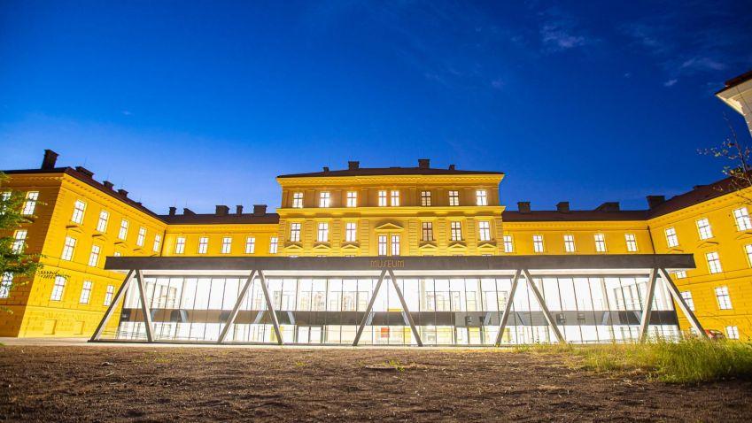 Během léta budou do nové budovy muzea v Hradci Králové přestěhované sbírky