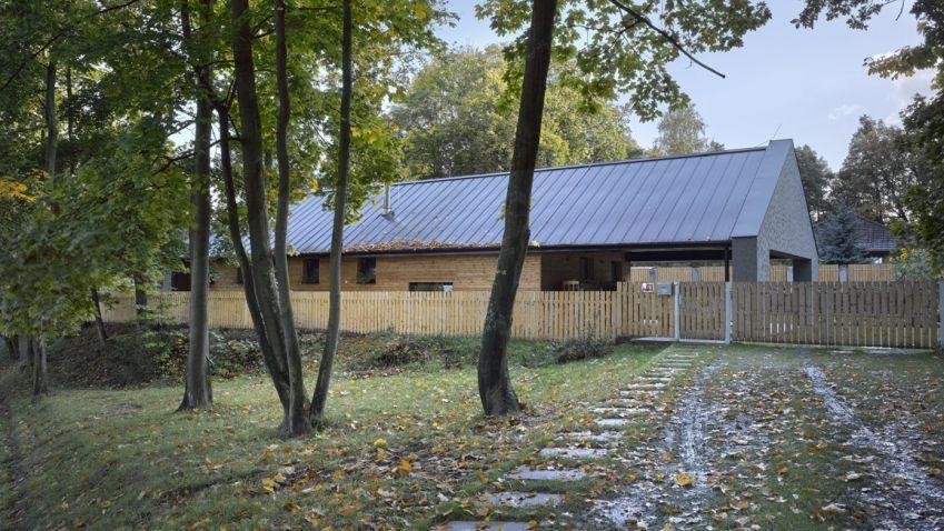 Bezbariérový rodinný dům v přírodě od Stempel & Tesar architekti