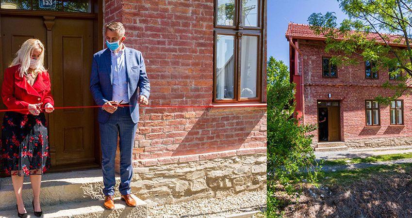 Červený domek básníka Petra Bezruče v Kostelci na Hané je zrekonstruovaný a otevřený veřejnosti