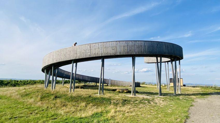 České rozhledny lákají nejen výhledy, ale i architekturou