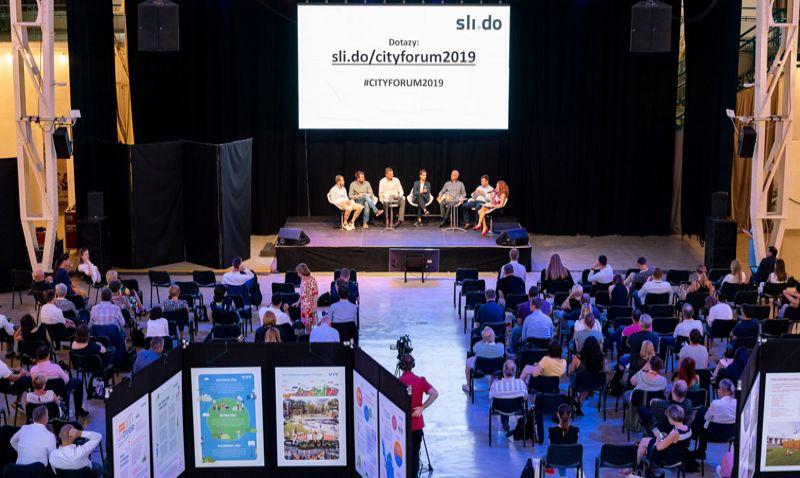 Československá konference CITY FÓRUM 2019: Kritizovat developery je snadné, město musí řídit někdo kvalitní