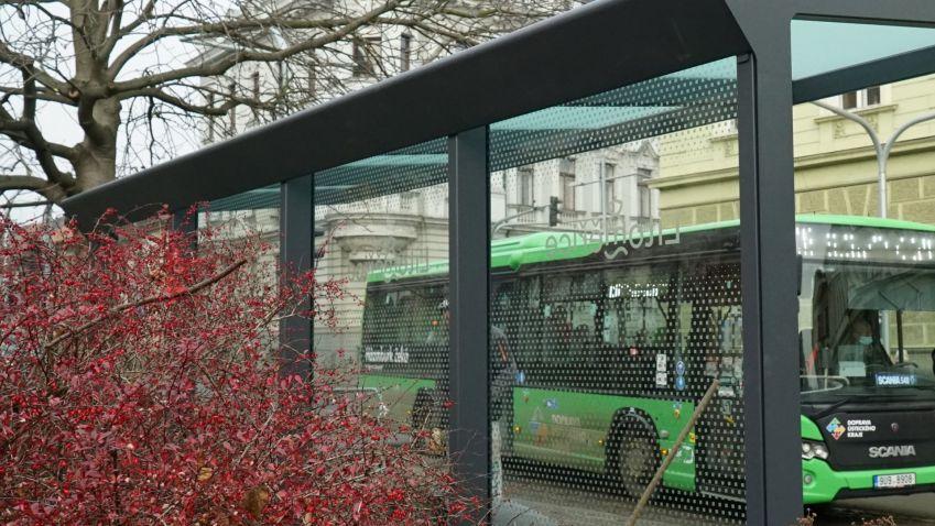 Čeští skláři navrhují designová, a navíc přírodě prospěšná skla