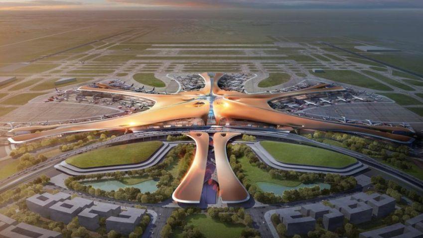 Ateliér Zaha Hadid Architects staví v Číně obří letiště