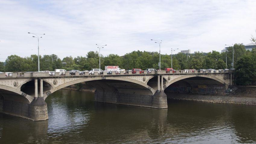 Další most půjde k zemi. Tentokrát v Jaroměřicích