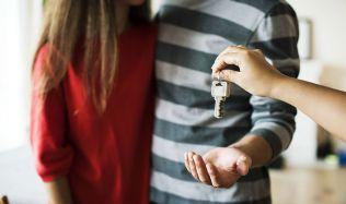 Daň z nabytí nemovitostí zrušena, odpočty úroků zůstávají