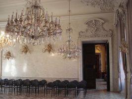 zdroj Wikimedia commons/ Diligent Popisek: Interiér paláce