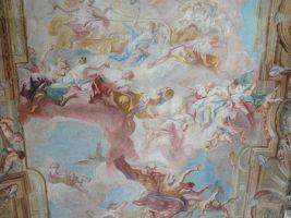 zdroj Wikimedia commons/ Diligent Popisek: Výzdoba stropu v Clam-Gallasově paláci