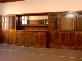 zdroj Publikace Slavné vily Plzeňského kraje Popisek: Velká část interiéru je ze dřeva