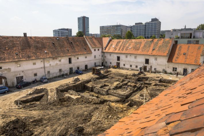 Ejhle tvrz: V pražských Jinonicích našli zbytky středověkého sídla