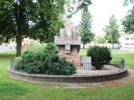 zdroj Wikimedia commons/ Elektracentrum Popisek: Pomník obětem první světové války v Ondřejově