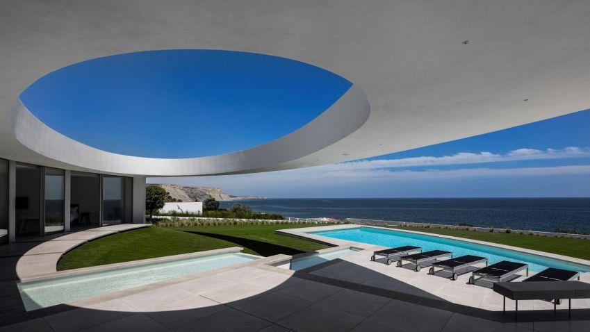 Elliptical House near Lagos, Portugal by Mário Martins Atelier