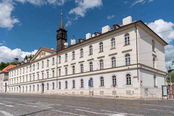 Festival Open House Praha už o víkendu zpřístupní desítky architektonicky zajímavých budov