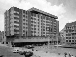 Hotel InterContinental byl vystavěn v letech 1968–1974 podle projektu atelieru Epsilon. Na projektu pracovali architekti Karel Filsak, Karel Bubeníček a Jaroslav Švec.