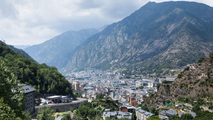Francii a Andorru v budoucnu možná spojí metro
