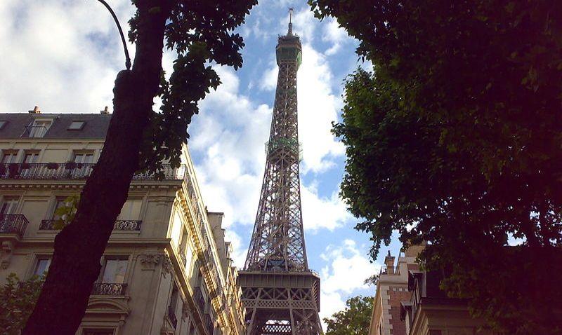 Eiffelova věž v Paříži slaví 130 let