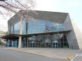 zdroj kladenskeosobnosti.cz Popisek: Budova Gunma Music Center v Takasaki