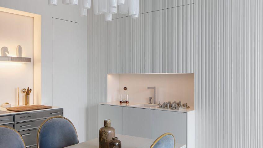 Historický byt na Praze 1 se proměnil na designové sídlo s geniem loci