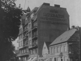 zdroj prazdnedomy.cz/ Popisek: Hotel Imperátor na dobových fotografiích