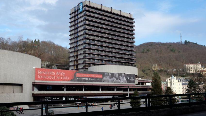 Hotel Thermal v neděli otevře první zrekonstruované pokoje. Připomeňte si jeho historii