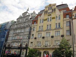 zdroj Wikimedia commons/ Enfo Popisek: Hotel Zlatá husa