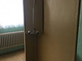 Původní sprchový kout. Nikdy nevyužitý operační sál. Zdroj: Clementas