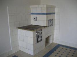 Vnitřní vybavení Bauerovy vily, kamna