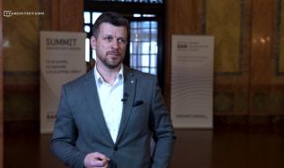 Jan Holna: Rozdíl stavebního rozvoje u nás a ve světě