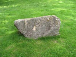 zdroj Wikimedia commons/ Juandev Popisek: V areálu vepřína se nachází Památník Lety