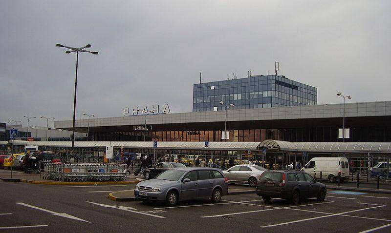 Kapacita parkování na pražském letišti bude rozšířena o nové parkovací domy
