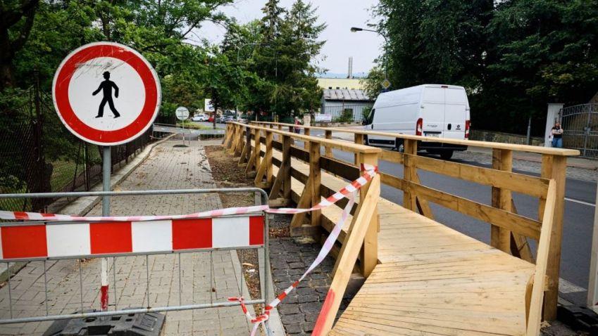 Karlovy Vary opraví opěrnou zeď v Bezručově ulici. Je v havarijním stavu