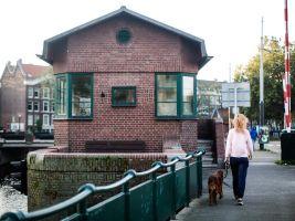 zdroj lonelyplanet.com Popisek: Kattensloot bridge house