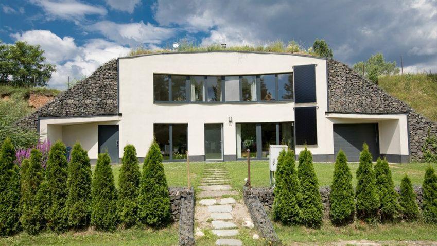 Krtkův dům připomíná krtkovu hromádku
