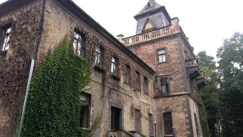 Larischova vila: Zchátralé dědictví heydrichiády má být opraveno