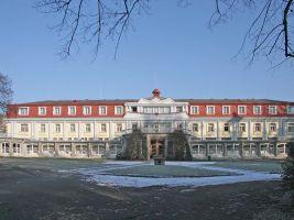 zdroj Wikimedia commons/ Zp Popisek: Gočárův pavilon v lázních Bohdaneč