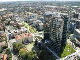 Letecký pohled na BB Centrum – budova Filadelfie