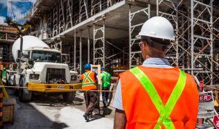 Letošní stavebnictví v Česku bude podle analytiků stagnovat či mírně růst