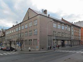 zdroj Wikimedia commons/ Gortyna Popisek: Budova Pošty v Lounech