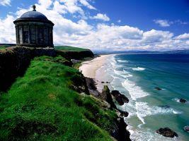zdroj profimedia.cz Popisek: Malý chrám Mussenden se nachází na severním pobřeží Severního Irska