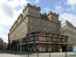 zdroj Wikimedia commons/ Martin Rosa Popisek: Palác Adria