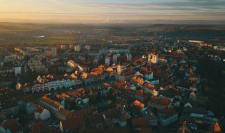 Město Žatec má jedinečného průvodce po místní architektuře