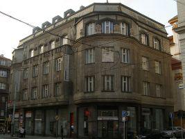zdroj Wikimedia commons/ Michal Kmínek Popisek: Dům Diamant
