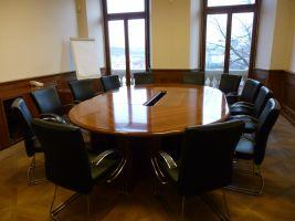 zdroj ceelinstitute.org Popisek: Konferenční místnost