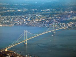 zdroj Wikimedia commons/ Tysto Popisek: Most Akaši-Kaikjó